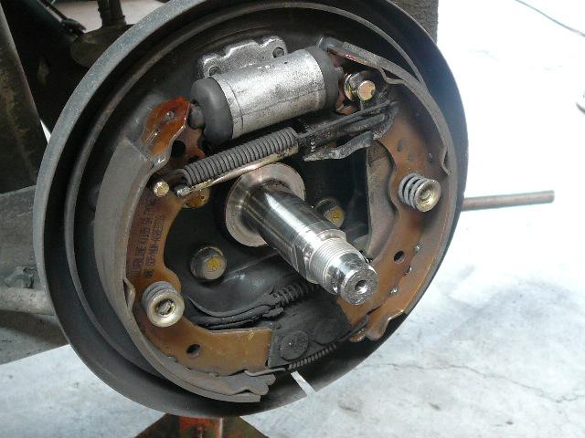 When To Change Brake Lining : Geddes brake linings drum replace